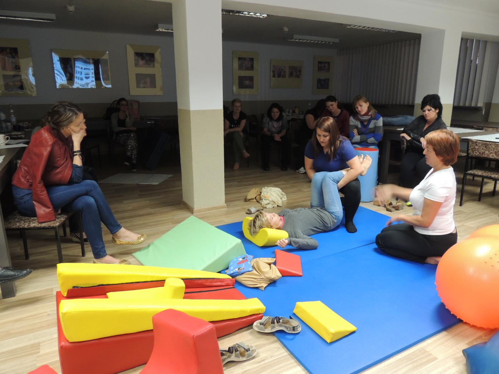 2014/2015 – Szkolenie – Jak pracując z ciałem niepełnosprawnego dziecka.